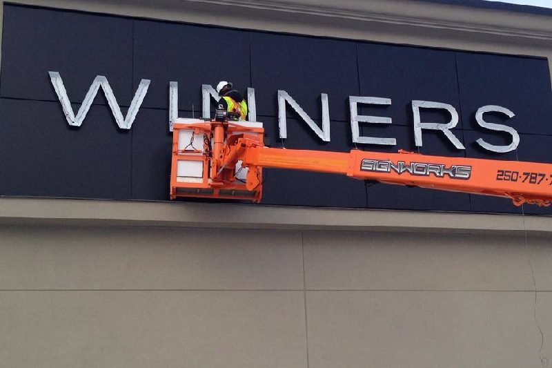 cleaning the led signage